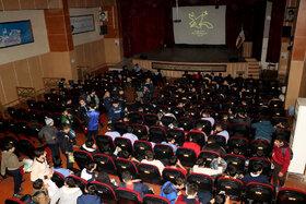 اکران فیلم سینمایی«ضربهفنی» در سینما کانون رشت