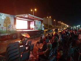 تماشاخانه سیار کانون در نخل تقی و عسلویه (استان بوشهر)
