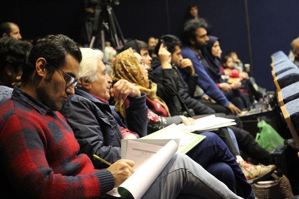 آئین اختتامیه مهرواره سرود آفرینش و نمایش عروسکی در بجنورد برگزار شد.