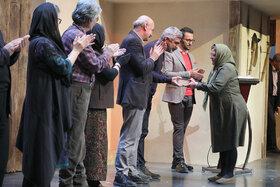 رتبه دوم بخش پدربزررگ ها و مادربزرگ های بیست و دومین جشنواره بین المللی قصه گویی را کسب کرد