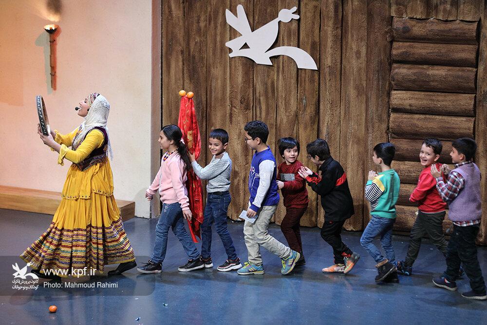 جشنواره قصهگویی کانون  باید در داخل و خارج شناخته شود