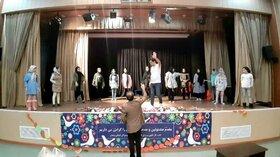 سرود به عنوان هنری گروهی و امیدآفرین در مراکز فرهنگیهنری کانون