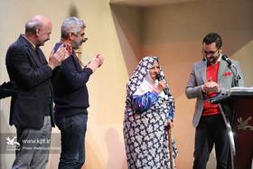خوشدرخشی مادربزرگ هنرمند قزوینی در بیستودومین جشنواره بینالمللی قصهگویی کانون