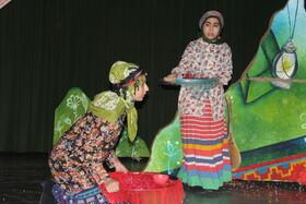 دومین روز جشنواره هنرهای نمایشی کانون آذربایجانغربی در ارومیه
