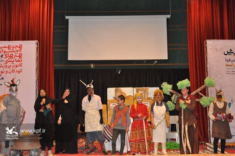 دومین روز از جشنواره هنرهای نمایشی و مهرواره سرود آفرینش در استان خراسان جنوبی