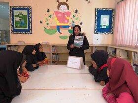 اعضای مرکز فرهنگیهنری میرجاوه(سیستان و بلوچستان) راههای ایمنی در مقابل زلزله را تمرین کردند