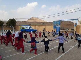 امداد فرهنگی کتابخانههای سیار کانون خوزستان در روستای گاومیر بخش سردشت دزفول