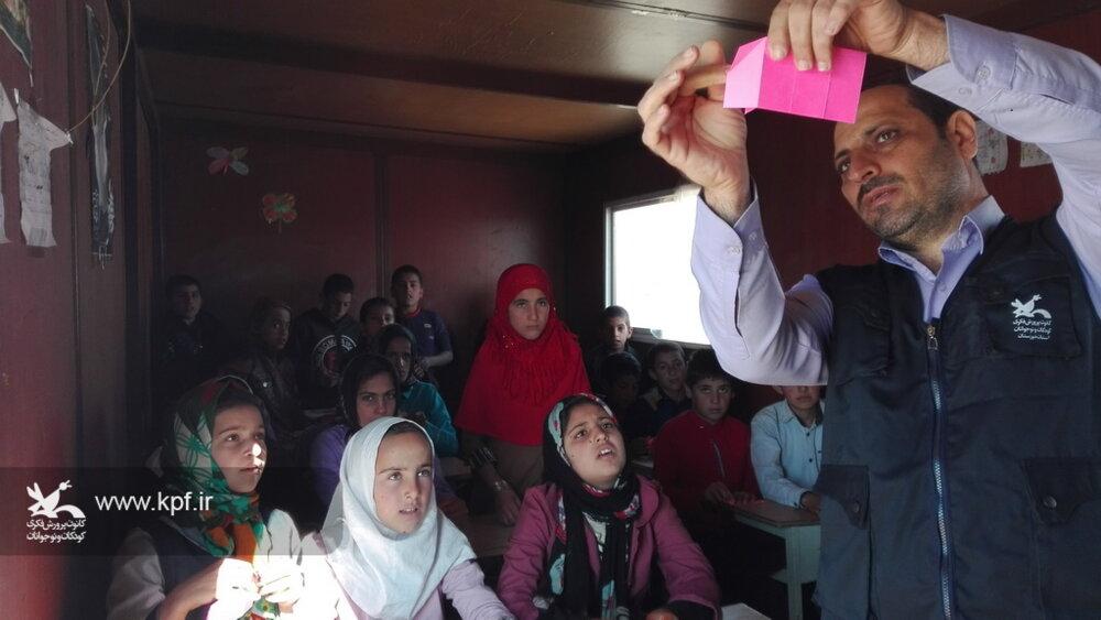 کاروان امداد فرهنگی کانون خوزستان به مناطق عشایری شهرستان شوش رسید