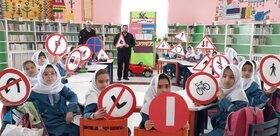 آموزش فرهنگ عبور و مرور و ترافیک به اعضای مرکز زرین آباد کانون زنجان
