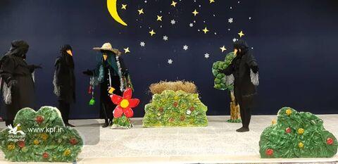 نمایش عروسکی «کلاغ خنزر پنزری» در مرکز آببر کانون زنجان
