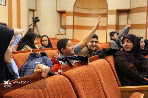 اجرای اعضاء کودک و نوجوان کانون پرورش فکری برای راه یابی به مرحله کشوری در نخستین روز از مرحله استانی هجدهمین جشنواره هنرهای نمایشی