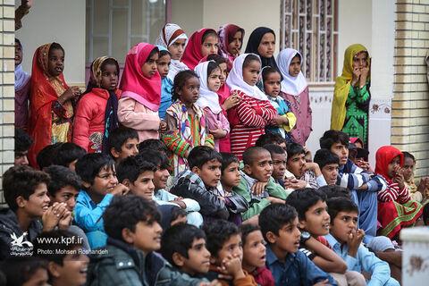 حضور گروههای فرهنگی کانون در مناطق سیلزده هرمزگان