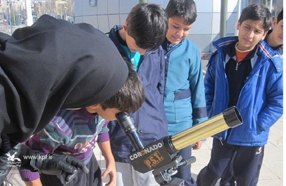 افزایش اطلاعات علمی کودکان و نوجوانان در مرکز علوم و نجوم زنجان