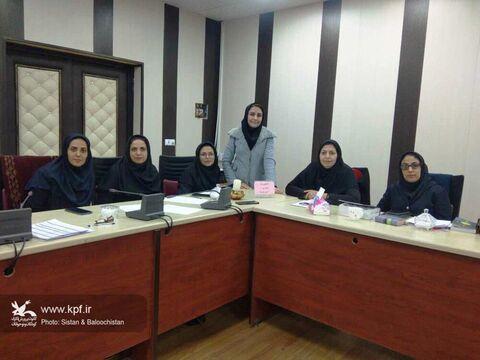 دومین نشست ادبی «گفتوگوی ماه» در مجتمع کانون زاهدان برگزار شد