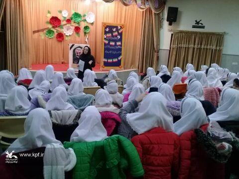 استقبال از برنامههای دهه مبارک فجر در مراکز کانون آذربایجان شرقی