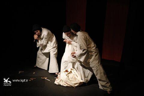 اجرای نه نمایش در اولین روز از برگزاری هجدهمین جشنوارهی هنرهای نمایشی یزد/ بهمن ۹۸