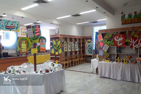 گشایش نمایشگاه دههی فجر در  مرکز فرهنگیهنری شماره دو کانون دامغان