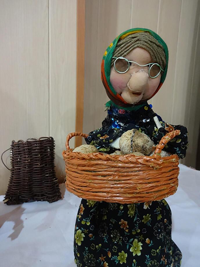 نمایشگاه عروسکهای بومی-محلی در بانه افتتاح شد