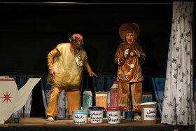 «کلوچه دارچینی» برای هنرمندان روی صحنه میرود