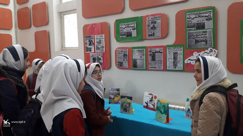 مراکزکانون لرستان در دومین روز از دهه مبارک فجر