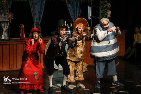 اجرای نمایش «کلوچه دارچینی» در سالن سینما تئاتر کانون