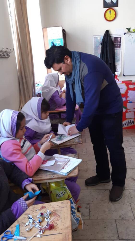 ویژه برنامه کتابخانه های سیار شهری و روستائی کانون آذربایجان شرقی در مناطق روستائی و محروم