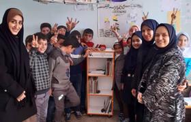 طرح امداد فرهنگی کانون آذربایجان شرقی با هدف تجهیز کتابخانههای مدارس روستایی در مناطق زلزلهزده استان