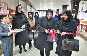افتتاح بازار آثار هنری اعضا و مربیان کانون پرورش فکری استان کرمانشاه