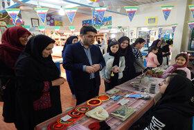 برپایی بازارچه خیریه و کارآفرینی در کانون منجیل