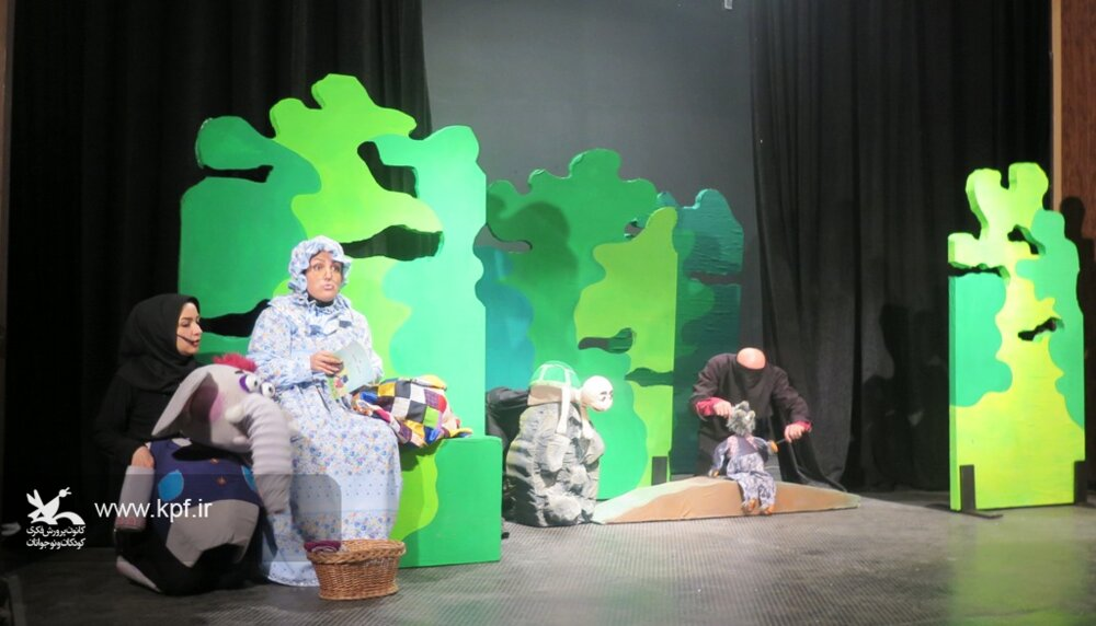 استقبال از اجرای نمایش «بنگ،بنگ» در کانون استان قزوین