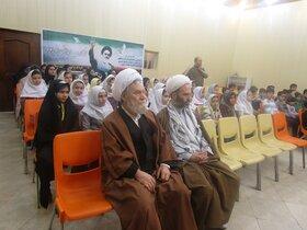 گفت و گوی صمیمانه امام جمعه هادیشهر با کودکان و نوجوانان