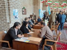برپایی میز خدمت کانون در محل نماز جمعه قزوین