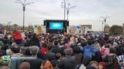 فعالیت تماشاخانه سیار کانون در راهپیمایی ۲۲ بهمن