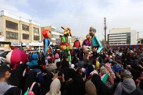 شادپیمایی عروسکهای غولپیکر در البرز برگزار شد