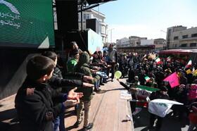 اجرای فعالیتهای فرهنگی هنری در مسیر راهپیمایی ۲۲ بهمن