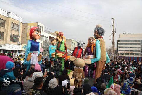حضور البرزی ها در شادپیمایی عروسک ها