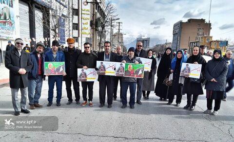 حضور پرشور اعضا، مربیان، مدیر و کارکنان کانون استان کرمانشاه در مراسم باشکوه راهپیمایی ۲۲بهمن