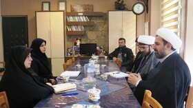 نشست مدیرکل کانون قزوین با مدیر مرکز خدمات حوزه علمیه استان