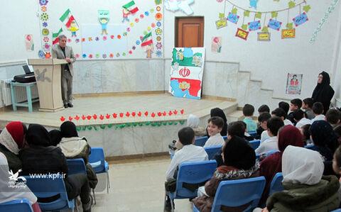 مربیان کانون نقش برجستهای در تبیین تاریخ انقلاب به کودکان و نوجوانان دارند