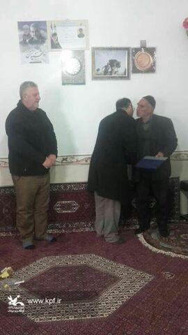دیدار مدیر کل کانون زنجان با خانواده شهید انصاری