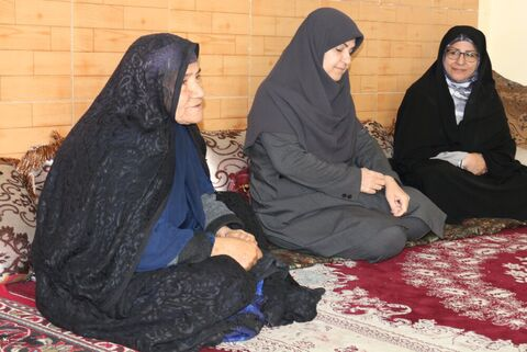 مدیر کل کانون فارس با مادر شهید دیدار کرد