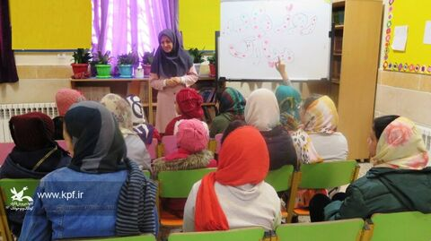 چند نما از ویژه برنامههای گرامیداشت روز زن در مراکز فرهنگی و هنری  کانون استان قزوین
