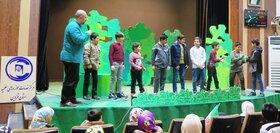 اجرای جنگ شادی برای فرزندان برگزیده طلاب
