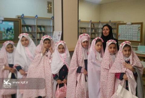 ویژه برنامه آیینه ای از عبودیت و بندگی در کانون پرورش فکری شاهین شهر برگزار شد