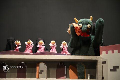 نمایش «نمکی و دیو» از قزوین خوش درخشید