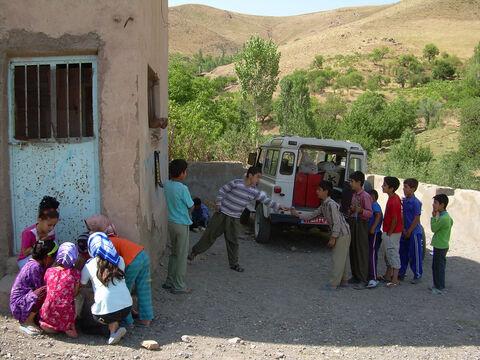 کتابخانه سیار روستایی کانون استان کردستان