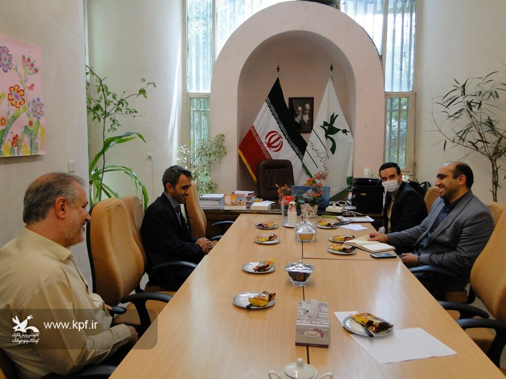 آمادگی همکاری شرکت صنایع اپتیک اصفهان برای هم افزایی و خدمت رسانی به اعضاء کانون پرورش فکری استان