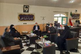 مدیرکل کانون استان همدان با حضور در فرمانداری شهرستان تویسرکان،  با فرماندار این شهر دیدار و گفتگو کرد