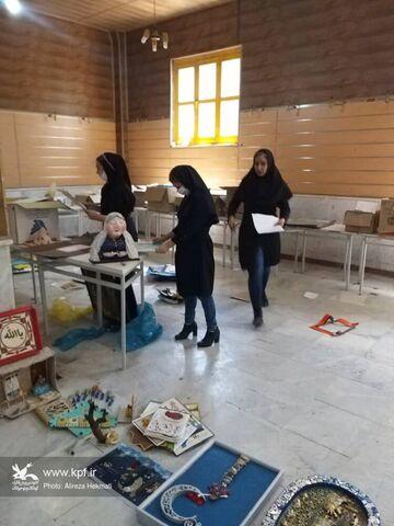 روند آمادهسازی نمایشگاه ششمین مهرواره نیایش در کرمانشاه ادامه دارد