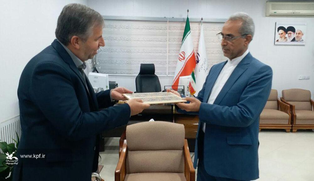 نشست صمیمی معاون سیاسی امنیتی استان با مدیر کل کانون لرستان